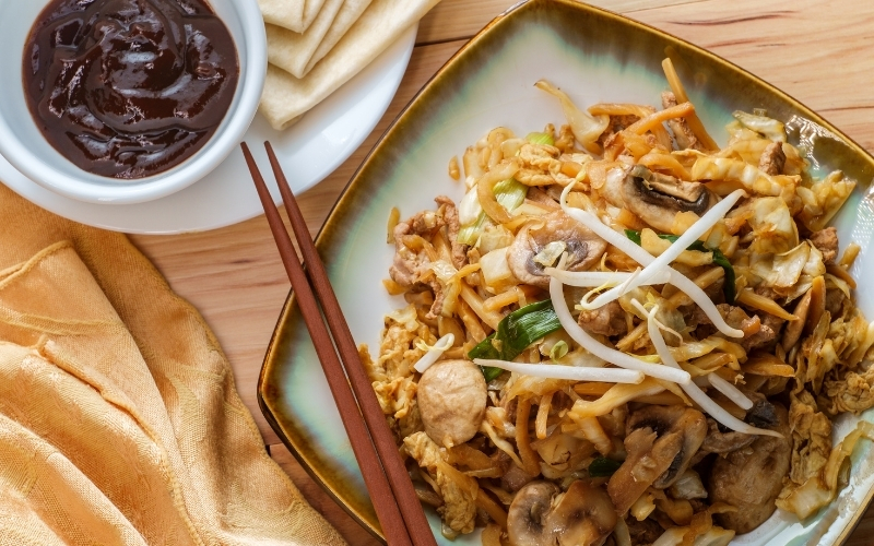 image of Chicken or Pork Moo Shu at Chinese Restaurant